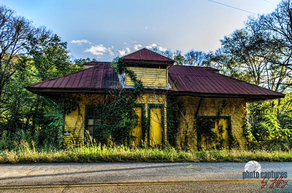 Abandoned McKnight Station Train Depot along Leipers Creek Road